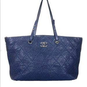 Chanel Navy Blue Tote Handbag quilted Leather